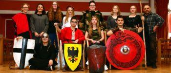 """Theatergruppe führt die """"Nibelungen"""" auf"""